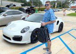 Житель Флориды купил новый Porsche по чеку, напечатанному на домашнем компьютере