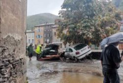 50 человек спасены от наводнения на юге Франции (ВИДЕО)
