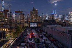 На крыше автомагазина в Нью-Йорке провели автомобильное мероприятие (26 ФОТО)