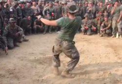 Морские пехотинцы из Южной Кореи и США сошлись … в танцевальном бою (ВИДЕО)