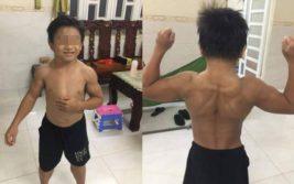 мускулистый мальчик