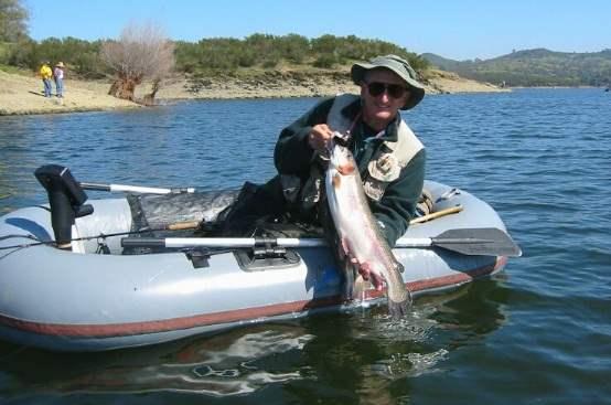 надувная лодка,рыбалка,
