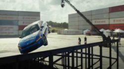 Посмотрите, как Kia K5 вращается в воздухе на 360 градусов (ВИДЕО)