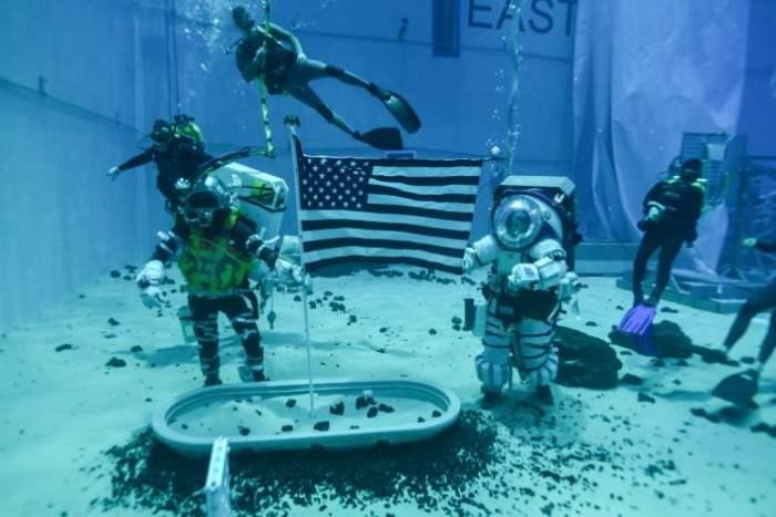 NASA,скафандры,Луна,