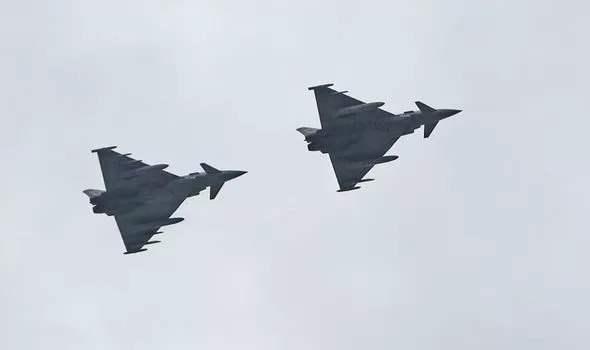 Британские истребители,Typhoon,Ту-142перехват,Великобритания,