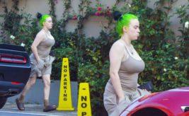 Билли Айлиш,Лос-Анджелес,фото,в шортах,в майке,