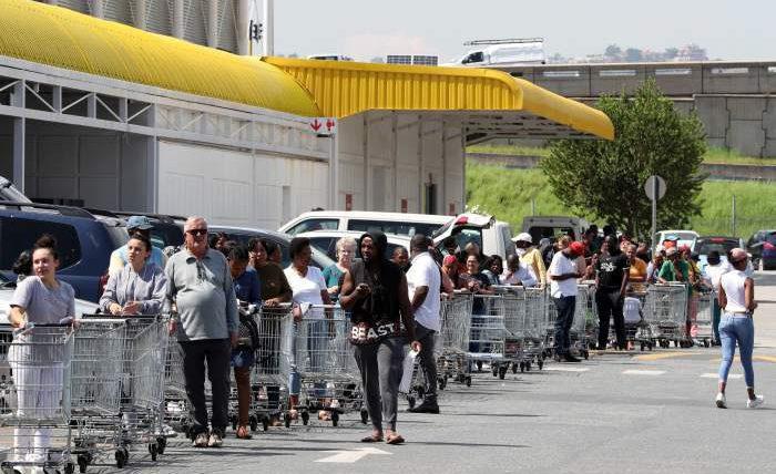 США,продукты,очередь,запасаются продуктами,вторая волна,коронавирус,