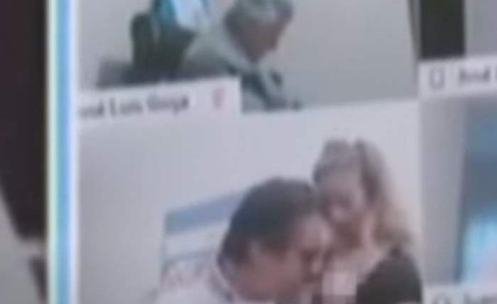 поцеловал в грудь,секретарша,Эмилио Амери,Аргентина,депутат,