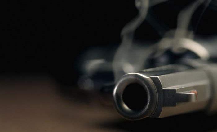 ребенок пистолет