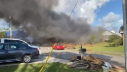 Beechcraft T-6B Texan II ВМФ США упал на жилые дома в США