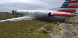 На Багамах самолет Embraer ERJ-145 LR вылетел за пределы взлетно-посадочной полосы (ФОТО)
