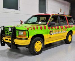 Ford Explorer XLT 4×4,Jurassic Park Tribute,