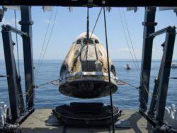 SpaceX обнаружила неожиданную эрозию на тепловом экране своего космического корабля Crew Dragon