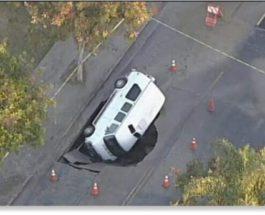 Лос-Анджелес, США, воронка,провал,фургон,
