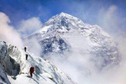 Впервые микрочастицы пластика были обнаружены на Эвересте