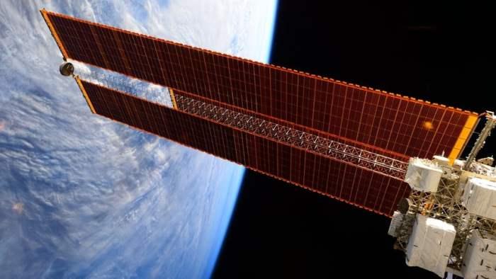 Солнечные батареи, космос, энергетика,