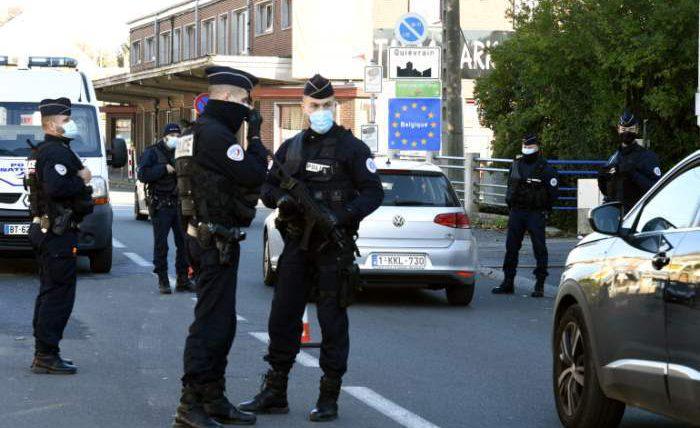 Франция, полицейские, фото,