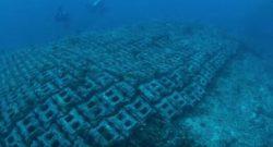 Дайверы обнаружили дорогу на дне Атлантического океана
