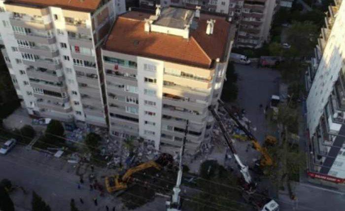 краны, Измир, Турция, землетрясение,