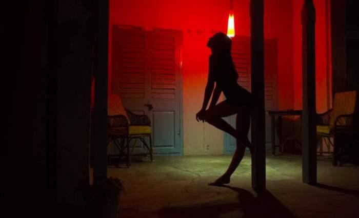 учительница, Италия, проституция,