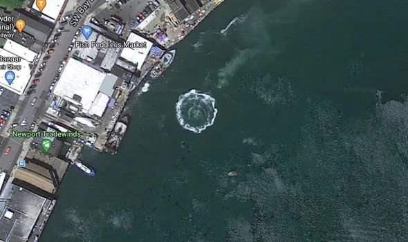 Google maps,аномалии,вода,возмущение,