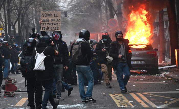 Париж, Франция, протесты,