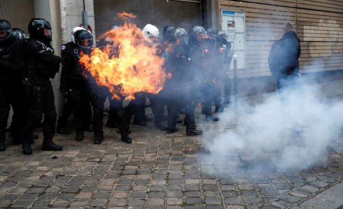Париж, протесты,