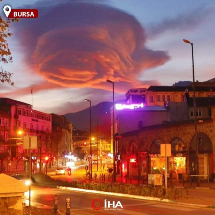 Турция, закат, красное облако, линзовидные облака,