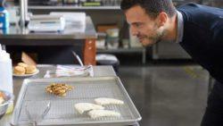 Мясо, выращенное в лабораторных условиях, уже в продаже