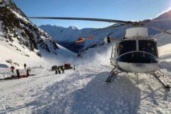 Два человека погибли в результате схода лавин в Альпах