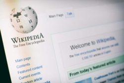 20 лет Википедии: этого не ожидал даже сам создатель — от насмешек до мирового признания с миллиардами посетителей