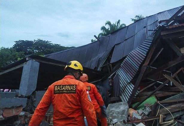 Индонезия, землетрясение, Сулавеси,