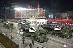 Ким Чен Ын показал всем самое мощное оружие в мире на новом параде (ВИДЕО)