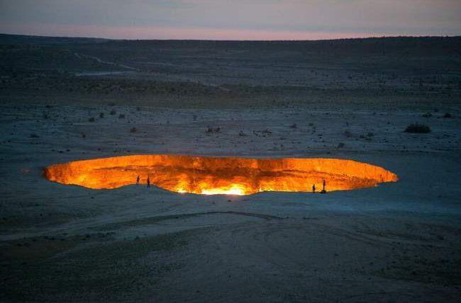 Туркменистан, врата в Ад, кратер Дарваза,