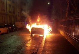 Франция, Новый год, поджоги, автомобили,