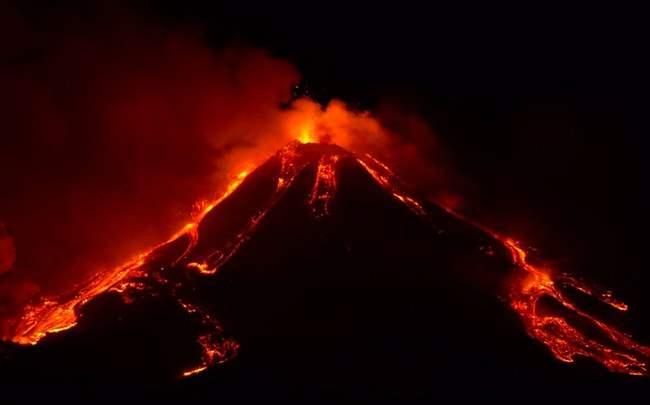 Этна, Сицилия, вулкан, извержение,