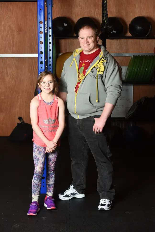 девочка, 10 лет, тяжелая атлетика, тяжелоатлетка, спортзал,