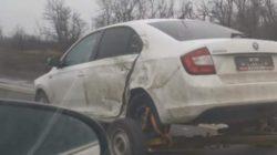Такое может не каждый автомобиль: Skoda сама себя буксирует