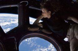Экипаж МКС обнаружил вторую предполагаемую трещину в корпусе