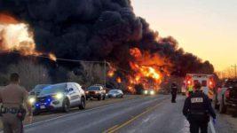Техас, поезд, грузовик, взрыв, топливо,