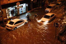 Турция, наводнение, Измир,