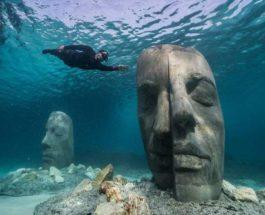 Франция, Канны, скульптуры, лица, под водой,