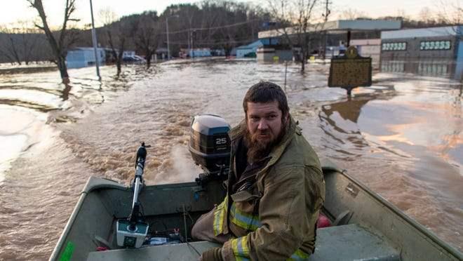 Кентукки, наводнения, чрезвычайное положение,