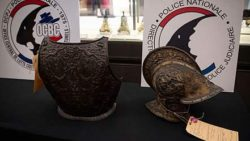 Украденные почти 40 лет назад рыцарские доспехи вернули в Лувр