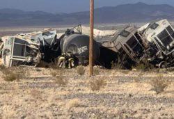 Ужас в Калифорнии! Поезд сошел с рельсов и … ВИДЕО
