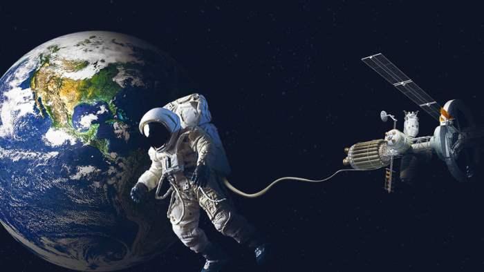 ученые, космонавты,