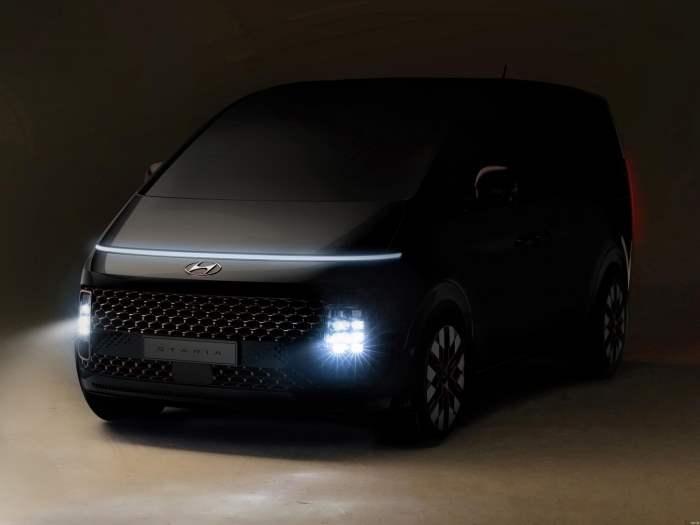 Hyundai Staria,