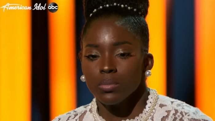 American Idol, участница, падение, сцена,