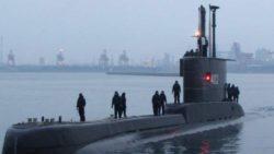 Индонезия ищет подводную лодку с 53 людьми на борту