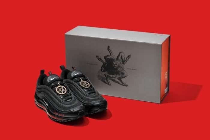 MSCHF, Nike Air Max 97, кроссовки, сатанинские кроссовки,